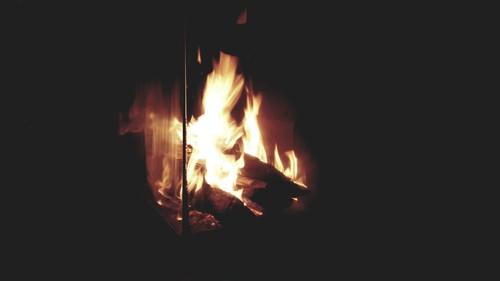 photo-feu-cheminees-totem.jpg