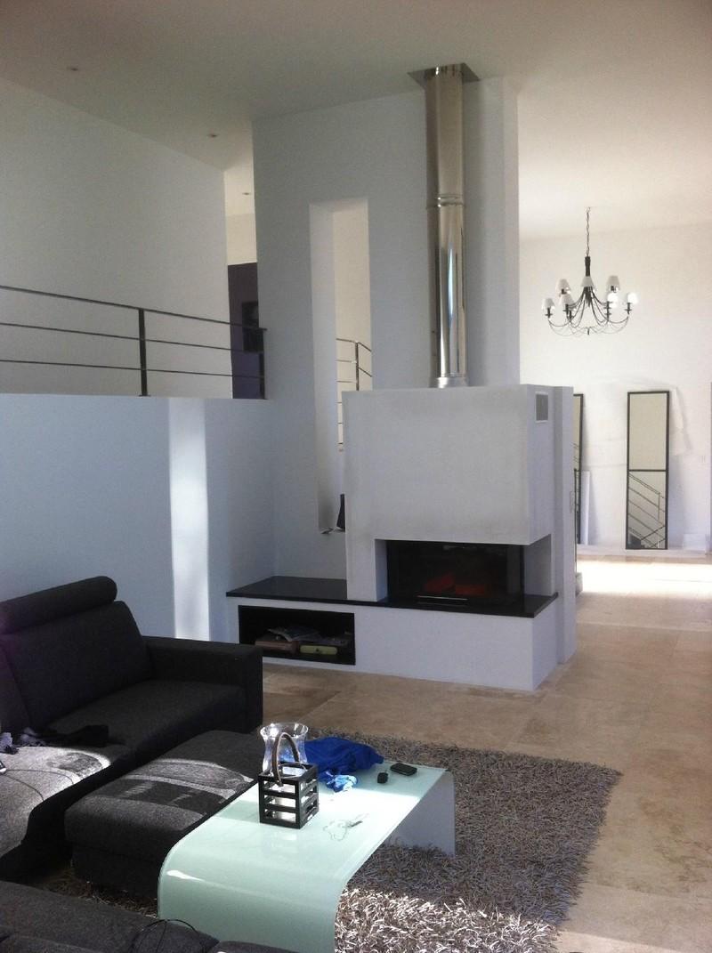 revendeur dealer totem. Black Bedroom Furniture Sets. Home Design Ideas